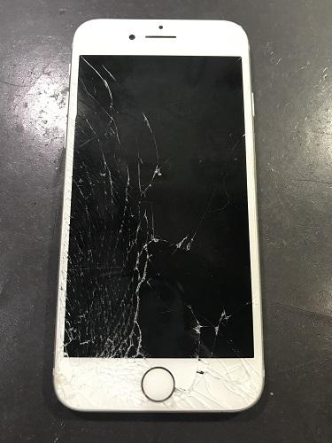 iPhone8液晶修理前