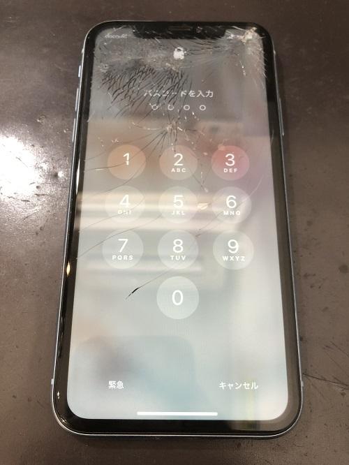 iPhoneXR画面修理前